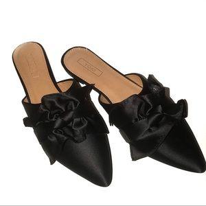 Black Ruffle Flats 7.5